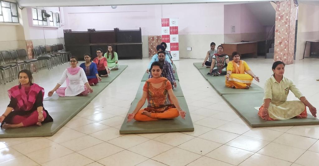 Yoga-gjimt-2