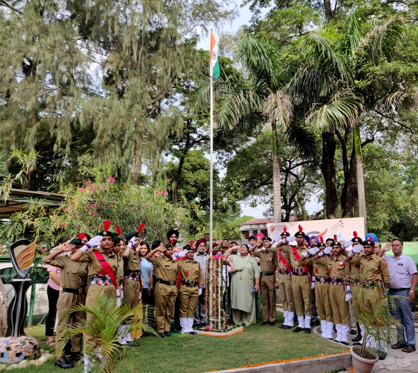 Flag Hoisting Ceremony (3)