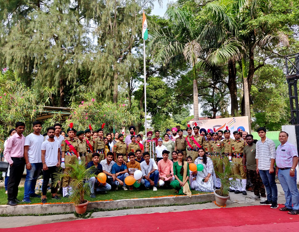 Flag Hoisting Ceremony (4)
